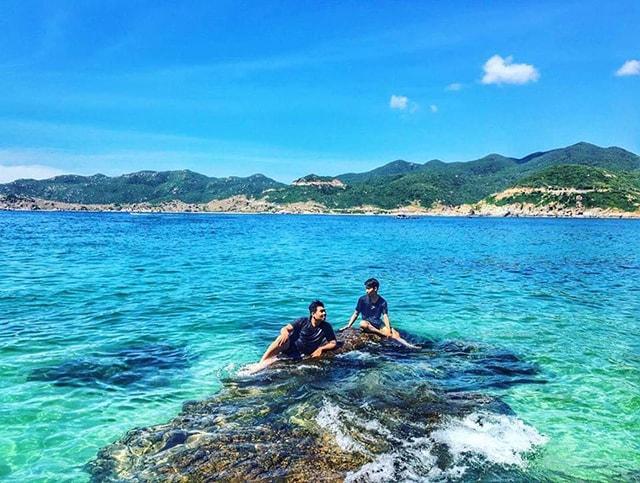 Đảo Bình Hưng với các bãi biển trong xanh