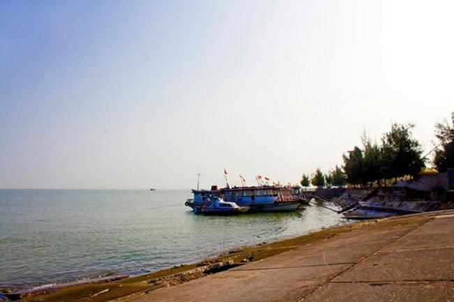 Bến Nghiêng, Hải Phòng là nơi chở khách ra đảo hòn Dáu