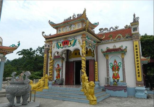 Đền thờ Nam Hải Thần Vương tại Hòn Dáu