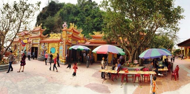 Khu di tích lịch sử đền Bà Đế