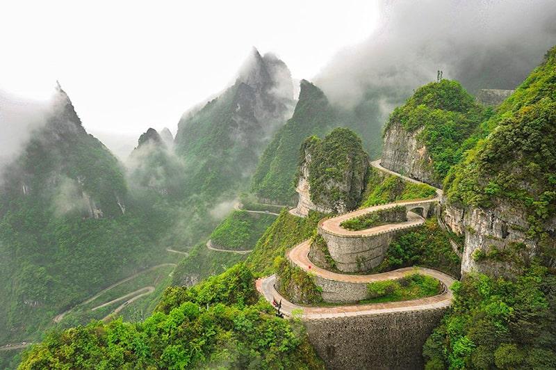 Đường lên Thiên Môn Sơn