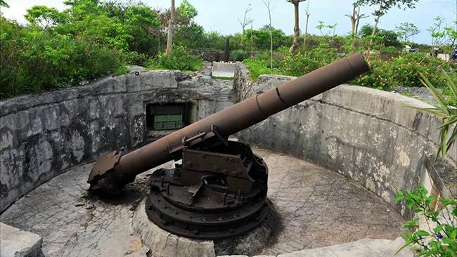 Pháo đài thần công trên đảo Cát bà