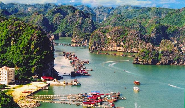 Quần đảo Cát Bà là địa điểm du lịch nổi tiếng ở Hải Phòng