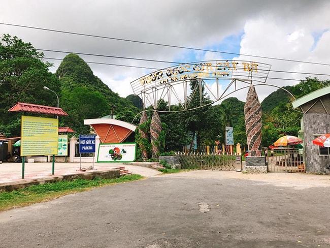 Cổng vườn quốc gia Cát Bà
