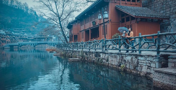 Khung cảnh yên bình bên bờ sông Đà Giang