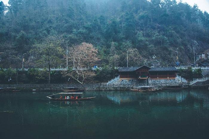 Du ngoạn trên hồ Bảo Phong thanh bình