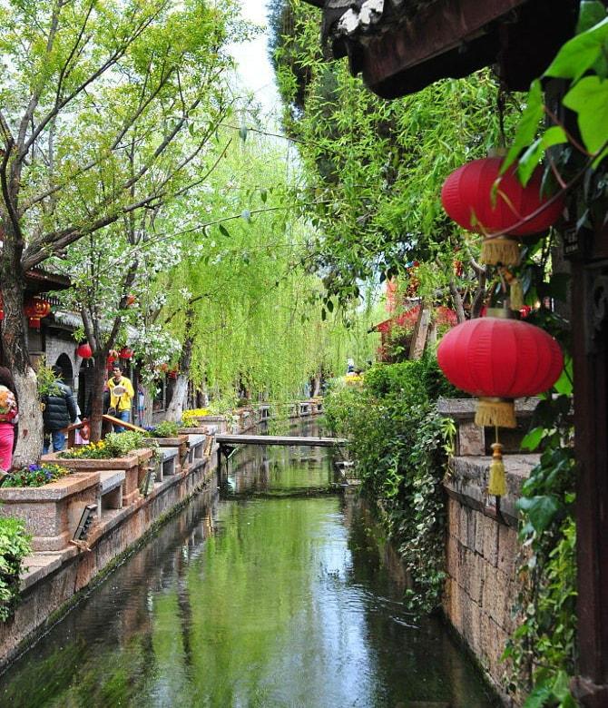 Vẻ đẹp 2 bên bờ sông của Lệ Giang cổ trấn