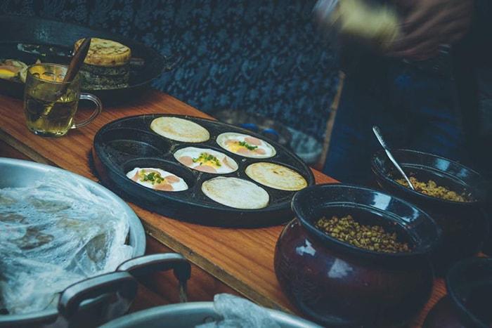 Món bánh ở Phượng Hoàng cổ trấn