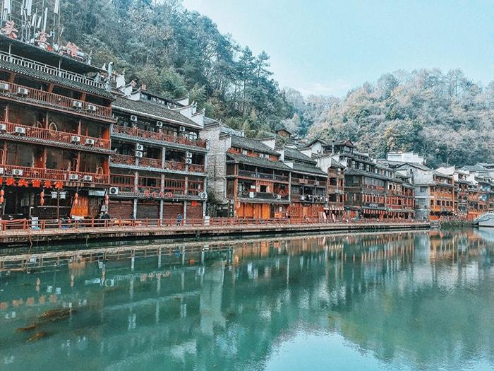 Phượng Hoàng cổ trấn là địa điểm du lịch rất nổi tiếng ở Trung Quốc