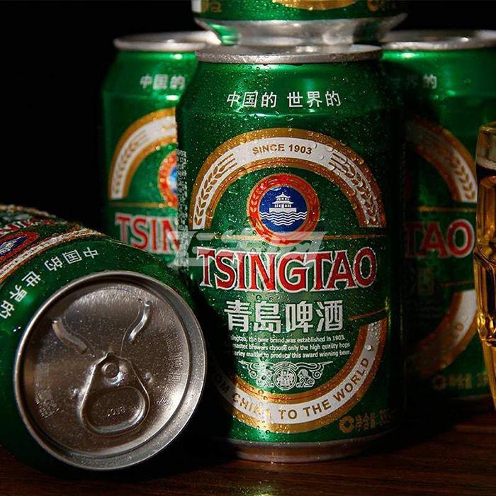 Bia Tsing Tao là loại bia khá phổ biến ở Phượng Hoàng cổ trấn