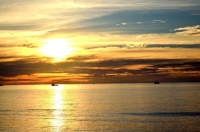 Hoàng hôn trên biển Bình Tiên