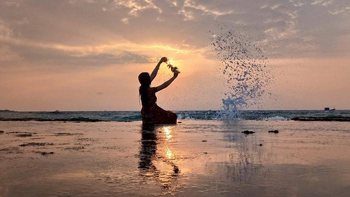 Bình minh tuyệt đẹp trên hòn Đỏ - Ninh Thuận