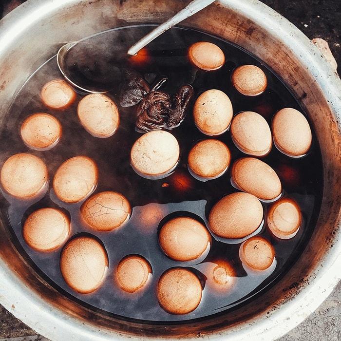 Trứng luộc thuốc bắc