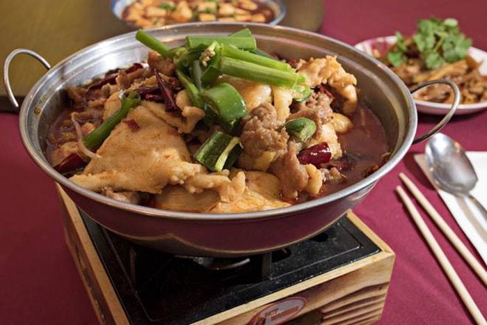 Vịt hầm tiết và gạo nếp