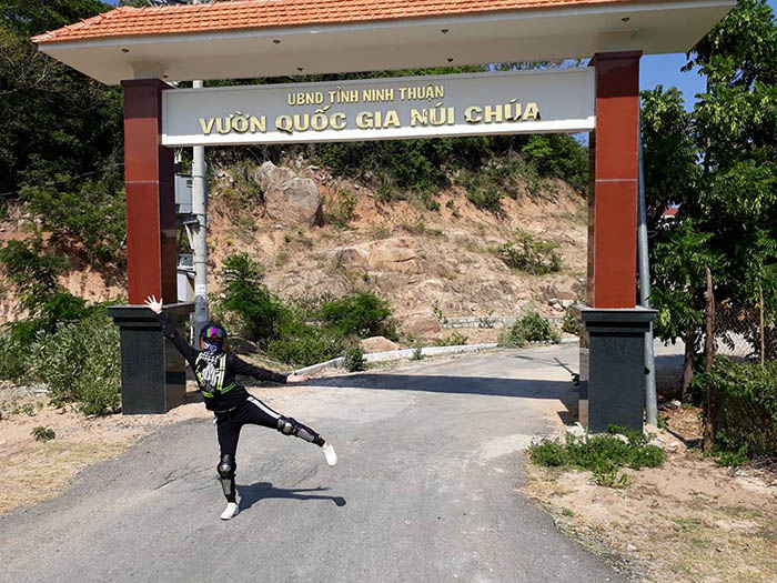 Cổng vào vườn quốc gia Núi Chùa - Ninh Thuận