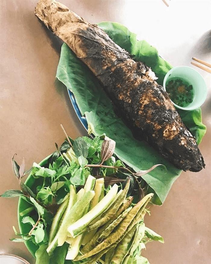 Cá lóc nướng trui đặc sản miền Tây