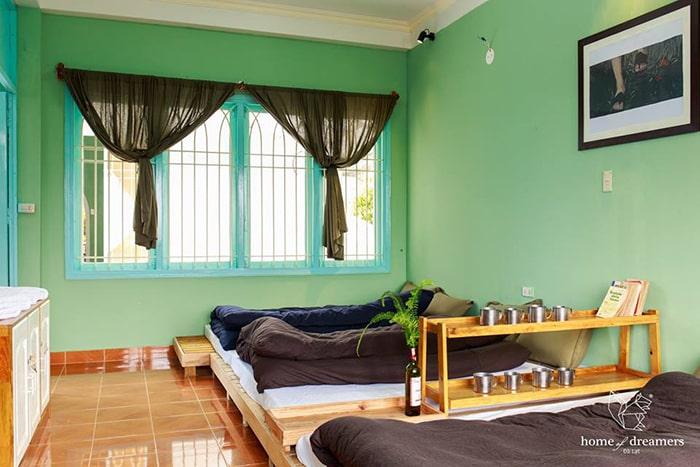 Không gian bên trong phòng ở Home of Dreamers