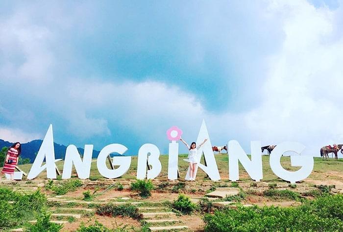 Biểu tượng trên đỉnh khu du lịch Lang Biang Đà Lạt