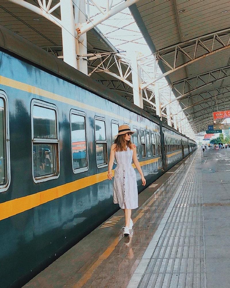 Đi tàu hỏa từ Hà Nội đến Nam Ninh rồi mới đến Trương Gia Giới