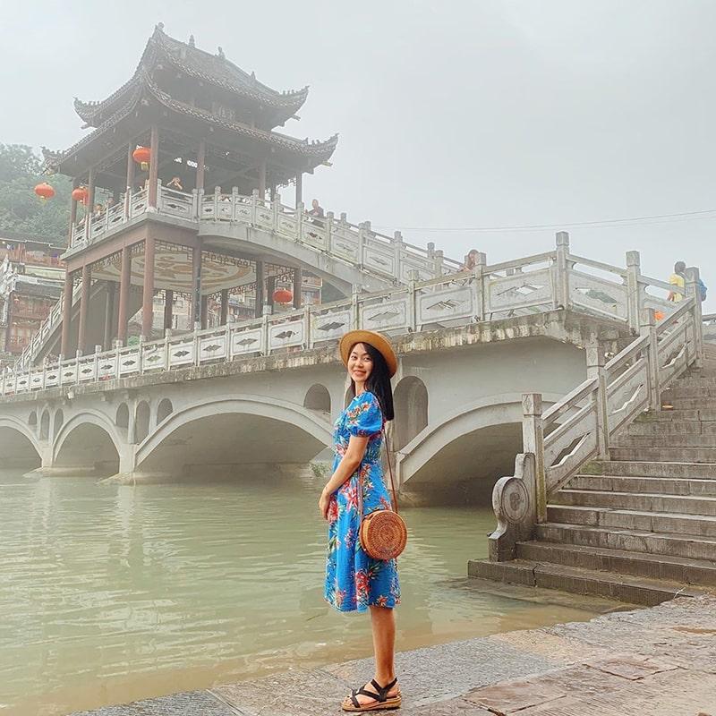 Lầu Phong Thúy Hồng Kiều