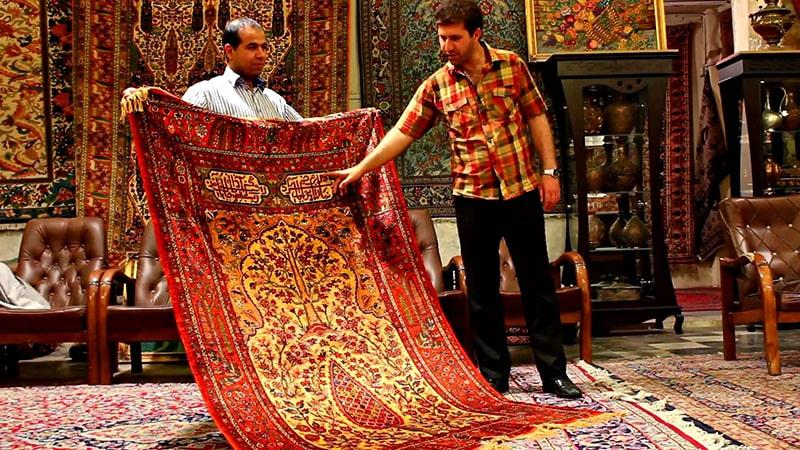 Mua thảm Ba Tư về làm quà cho mọi người