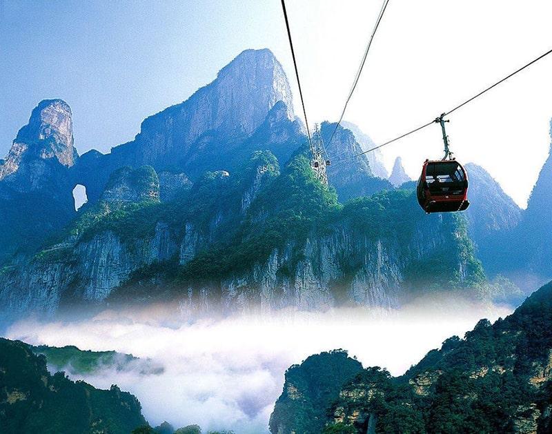 Cáp treo lên đỉnh Thiên Môn Sơn