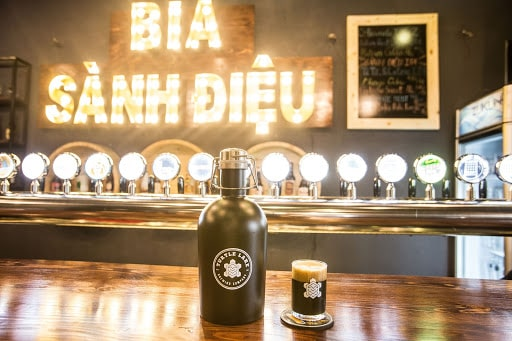 Hương vị bia đen thu hút ngay từ cái nhìn đầu tiên
