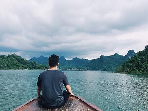 """Nhiều du khách khi tới Thung Nai đều thốt lên rằng """"Thung Nai giống như Vịnh Hạ Long ở trên cạn"""""""