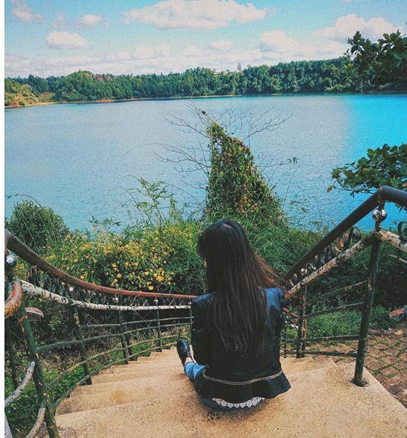 Biển Hồ là 1 địa điểm không thể bỏ qua khi đến Gia Lai