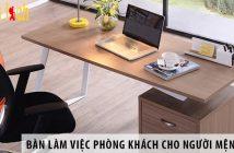 3 mẫu bàn làm việc trong phòng khách cho người mệnh Mộc