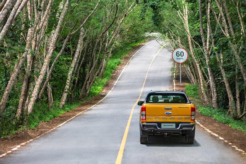 Đi du lịch bằng ô tô tự lái cần lưu ý những gì?